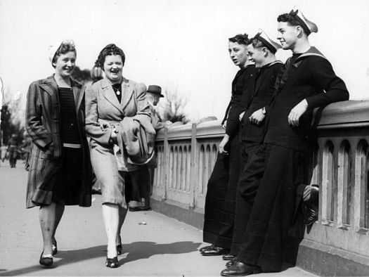 sailors-women-1946inmelbourne